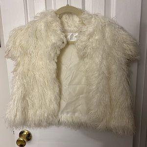 Lg faux fur vest off white lined